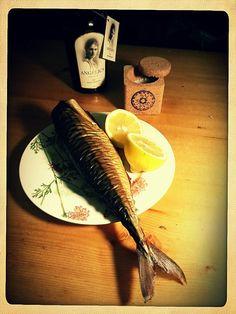smoked mackerel, flower of salt & olive olive oil wędzona makrela, kwiat soli i oliwa