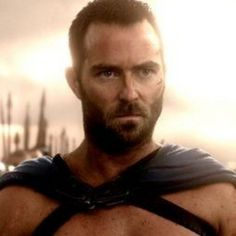 300: Rise of an Empire Photos with Sullivan Stapleton as Themistokles -- Director Noam Murro reveals that this new action-adventure has six major battles set in different locations. -- http://wtch.it/0CdZZ