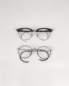 by Dan Schmahl Mago, how about this.  do you like it. New style on eyeglasses