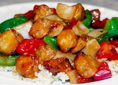 Tender bites of halibut filets stir-fried with onion, red and green bell peppers and tomatoes in a sweet and sour sauce. Halibut Recipes, Fish Recipes, Seafood Recipes, Asian Recipes, Vegetarian Recipes, Asian Foods, Recipe Sweet And Sour Sauce, Sweet And Sour Recipes, Essen
