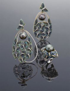 """Ilgiz F's """"Butterflies"""" ring and earrings, with faceted pearls that appear to float freely amongst fluttering butterflies, saw the Russian jeweller secure first place in the 2013 International Jewellery Design Excellence Awards in Hong Kong."""