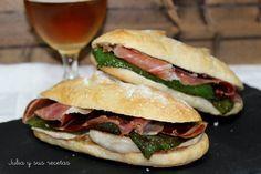 Serranito : bocadillo de lomo, pimiento verde, jamón y tomate.