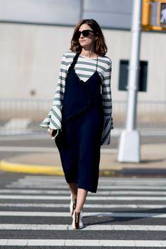 Look Street Style, New York Fashion Week Street Style, Street Style Blog, Street Style 2017, Spring Street Style, Cool Street Fashion, Street Chic, Modest Fashion, Girl Fashion