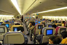 Thai Airways Boeing 777-2D7(ER) HS-TJS economy class