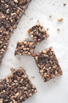 A delicious and easy recipe the kids will enjoy - Takes only a few minutes to make and creates 16 good size portions. Homemade LCM bars will save you money Lunch Box Recipes, Baby Food Recipes, Sweet Recipes, Snack Recipes, Lunchbox Ideas, Bubble Recipes, Chocolate Slice, Healthy Chocolate, Homemade Chocolate