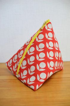 Triangle pouch project from Kokka