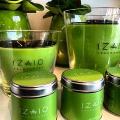 Macaw green by Izaio. Spring colors.