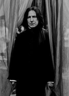 Severus Snape, Harry Potter Series (played by Alan Rickman) Harry James Potter, Arte Do Harry Potter, Harry Potter Characters, Harry Potter Universal, Harry Potter World, Harry Potter Professors, Professor Severus Snape, Harry Potter Severus Snape, Severus Rogue