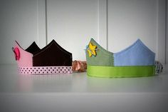 Give your little ones the royal treatment that they deserve. This easy sewing tutorial will show you How to Make a Crown that is perfect for dress-up, an easy DIY costume, or a birthday party. Sewing Tutorials, Sewing Projects, Sewing Ideas, Crafts To Make, Kids Crafts, Make A Crown, Diy Crown, Easy Diy Costumes, Felt Crown