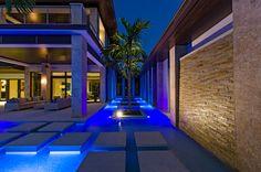 "#Mosaic: custom #mix  #Shining 720 #Vitreo 120 (2 x 2 cm ∙ 3/4"" x 3/4"") - Private #pool ∙ Naples ∙ Florida, USA"