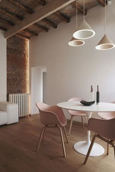 The successful mix of soft and rough textures and colours is what makes this interior design so attractive. the exposed ceiling and brick wall are a perfect juxtapostion to the rounded pastel coloured furnishings. Monochrome Interior, Minimalist Interior, Home Furniture, Furniture Design, Dining Room Design, Wabi Sabi, Interior Design Inspiration, Scandinavian Style, Home Decor Accessories