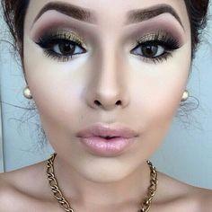 Contour, makeup