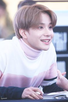 Jungwoo in pink Nct 127, Winwin, Taeyong, Jaehyun, K Pop, Kim Jung Woo, Nct Dream Members, Johnny Seo, Mark Nct