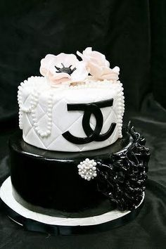 68dd13d6bb 32 Best Chanel cakes images