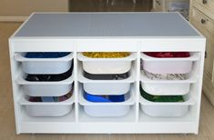 How to store and organize LEGO bricks - IKEA Hackers - - My nephew was overwhelmed and he let his LEGOs sit in his bedroom. I knew what I had to do for my nephew. I had to build Kai a new LEGO organizer. Table Lego Ikea, Lego Storage Table, Lego Duplo Table, Lego Regal, Lego Station, Pokemon Lego, Trofast Ikea, Lego Room, Ikea Hackers
