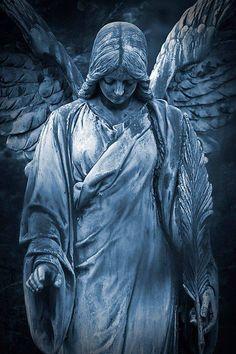 Sad Angel - My list of best tattoo models Cemetery Angels, Cemetery Statues, Cemetery Art, Statue Tattoo, Guardian Angel Tattoo, Angel Tattoo Men, Angel Garden Statues, Sad Angel, Angel Warrior