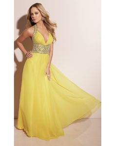 Halter Floor-length Prom Dress With Sequin Embellished http://www.lighttothebox.com/special-occasion-dresses/prom-dresses.html