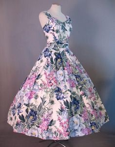 Beautiful floral vintage dress from the 50's