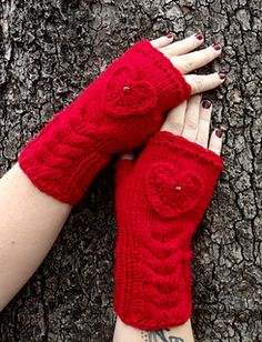 Sweetheart mitts free  pattern