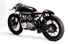 Moto Hangar CB 550