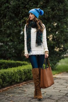 This fringe hem sweater is so adorable for holiday get together's. Fringe detail is the best way to add a festive touch to an outfit!