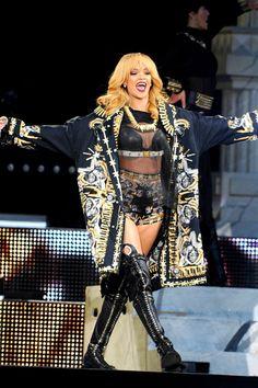 Rihanna wins Topshop battle