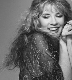ohhhhh, Stevie  ~ ☆♥❤♥☆ ~   so, so pretty in her embroidered sheer chiffon shawl