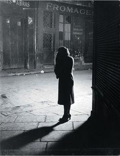 """""""Paris de nuit"""" de Brassaï (Luz Disponible)"""