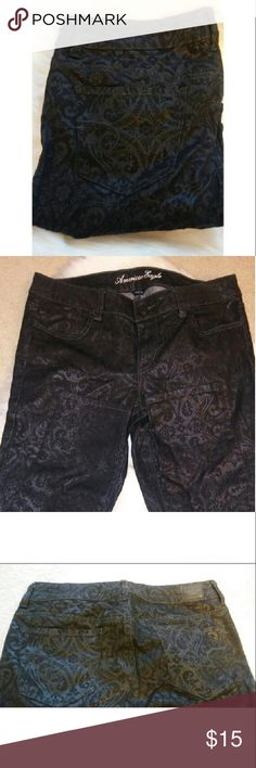 NWOT American Eagle skinny jeans Lovely black American Eagle paisley / floral print shiny jeans! Stretch skinny jeans. Inseam 33 inches. Non smoking home.Save 20% by bundling 2 or more items! Gift with every purchase! Happy poshing! 🌟 American Eagle Outfitters Jeans Skinny