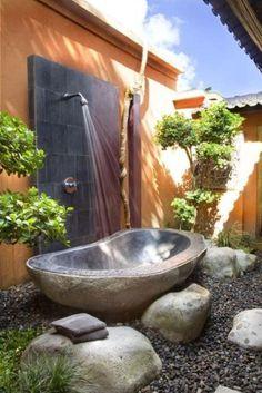 Shower outside Genial!!para relajarte en los días de calor.