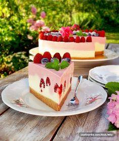 Torta sa malinama i bijelom čokoladom - My Mili Cake TORTE Torte Recepti, Kolaci I Torte, Sweet Recipes, Cake Recipes, Dessert Recipes, Chocolate Desserts, Cake Cookies, No Bake Cake, Fudge