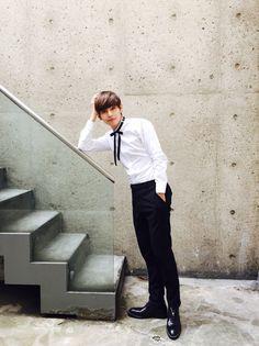 V (Kim Taehyung) BTS / Bangtan Sonyeondan / Bangtan Boys (뷔 (김태형) 방탄소년단)