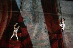 O 11° FIL- Festival Internacional Intercâmbio de Linguagens acontece de 19 a 29 de setembro, trazendo para o Rio de Janeiro uma programação cultural repleta de curiosidades e novidades.  Esta edição conta com atrações provenientes de vários lugares do mundo, como a peça Suspends (França), um espetáculo em que os artistas  usam o corpo um do outro como uma referência no espaço, em total parceria.  O evento ocorre no Teatro Carlos Gomes, nos dias 19, 21 e 22, com ingressos a R$ 20.