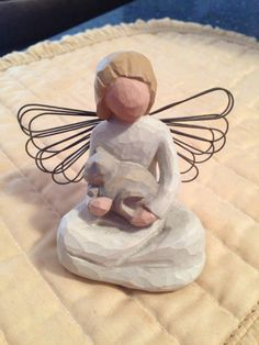 Willow Tree Angel of Kindness Animals Willow Tree Statues, Willow Figurines, Willow Tree Nativity Set, Willow Tree Family, Willow Tree Figures, Willow Tree Angels, Christmas Nativity Scene, Little Cherubs, Tree People