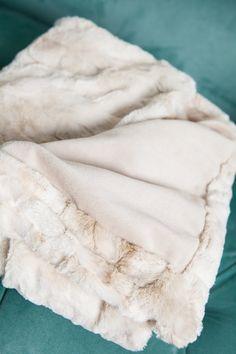 White Throw Blanket, Faux Fur Blanket, Fur Throw, Coral Pillows, Colorful Pillows, Fluffy Blankets, Throw Blankets, Japanese School, Dorm Ideas