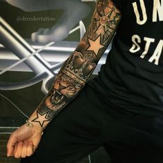 Find your best gift ideas for your family and friends! Half Sleeve Tattoos For Guys, Full Sleeve Tattoos, Tattoo Sleeve Designs, Hand Tattoos, Life Tattoos, Body Art Tattoos, Dream Tattoos, Badass Tattoos, Tattoo Photo