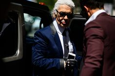 Karl Lagerfeld Hits the Streets at Paris Men's Fashion Week-Wmag
