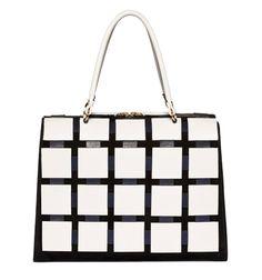 Marni http://www.vogue.fr/mode/shopping/diaporama/illusions-d-optique-noir-et-blanc-louis-vuitton-marc-jacobs-balmain-rayures-damiers-losanges/12236/image/736909#marni