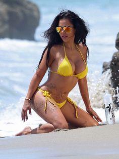 Leidy Mazo en un bikini amarillo para 138 Water! |