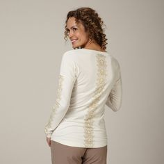 Royal Robbins Abbey Long Sleeve Crew - Womens - at Outdoormountainspirit.com Outdoor Woman, Fall 2015, Style Guides, Long Sleeve Tees, Bodysuit, Black And White, Stylish, Womens Fashion, Casual