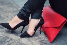 black pointed toe #heels