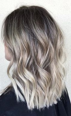 Hair Color Ideas 2018 : subtle blonde ombre Discovred by : Mane Interest Blonde Ombre, Hair Color Balayage, Ash Blonde, Medium Hair Styles, Short Hair Styles, Dye My Hair, Cool Hair Color, Hair Dos, Wavy Hair