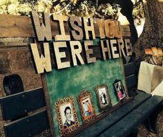 Mur photos pour rendre hommage aux absents