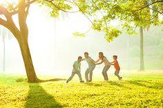 La #scuola è finita, fatevi contagiare dalla spensieratezza dei più piccoli con questi #giochi all'aperto. Scoprite i nostri #consigli: http://www.dimmidisi.it/it/dimmicomefai/stare_in_forma/article/oggi_giochiamo_a_.htm #dimmidisi #benessere #salute #gioco #natura #nature #giocare #yoga #sungame #infanzia #kids