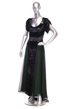 Veil and velvet dress Order by phone : 781 988 Veil, Goth, Velvet, Seasons, Phone, Dresses, Style, Fashion, Gothic