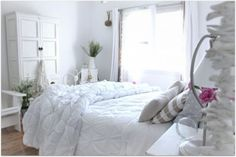 Decoration : Cottage Bedroom Decorating Ideas With White Theme Cottage Bedroom Decorating Ideas Cottage Style Houses' Shabby Chic Bedroom Decor' How To Decorate A Home or Decorations Coastal Bedrooms, Shabby Chic Bedrooms, Bedroom Vintage, Seaside Bedroom, Shabby Chic Porch, Beach Cottage Style, Beach Cottage Decor, Cottage Chic, Coastal Decor