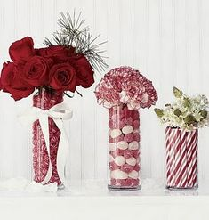 Classy-Christmas-wedding centerpiece ideas! It'd be so easy to go over the top and get cheesy with a Christmas wedding, but these are classic! The perfect blend of vintage and contemporary! (#red weddings, #winter weddings)
