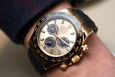 Hands-On LIVE now! New Rolex Cosmograph Daytona Watches In Gold With Oysterflex Rubber Strap & Ceramic Bezel For 2017.