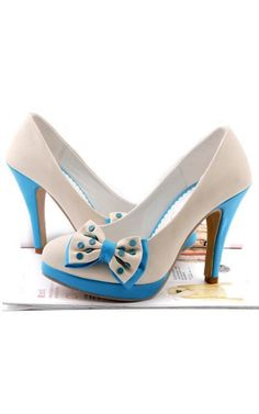 I could make the bowtie part of this shoe and hot glue it onto a pair of plain pumps...