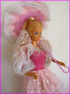 Barbie 1985 - she glowed in the dark